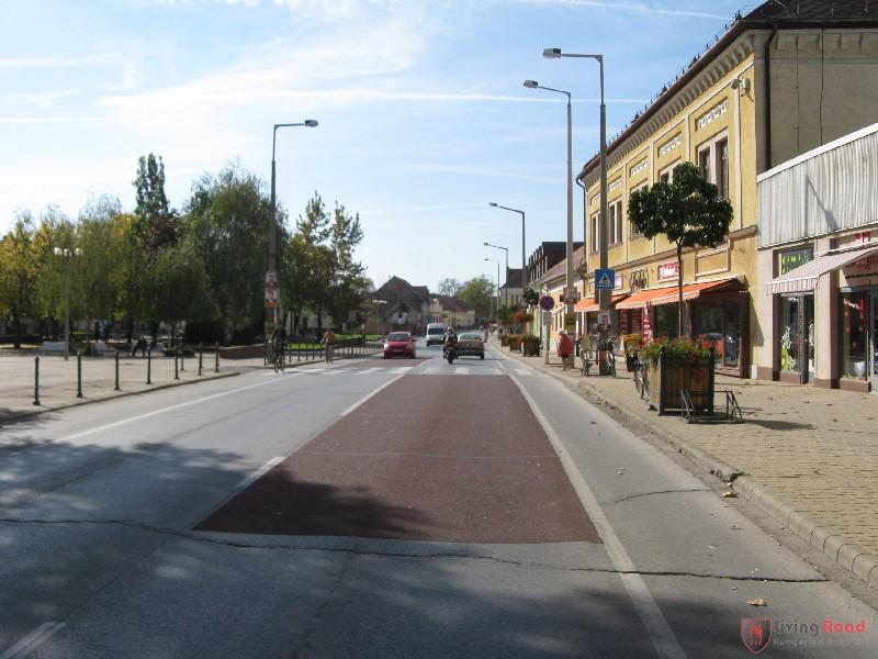 Mezőkövesd - Living Road